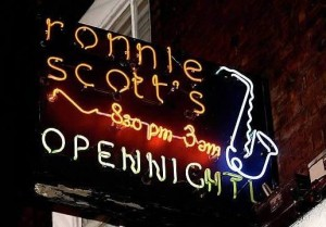ronnie_scotts_sign_640